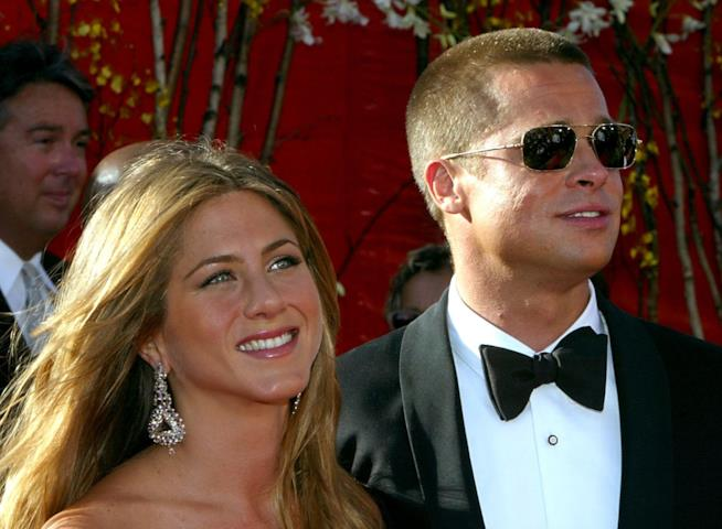 Primo piano di Brad Pitt e Jennifer Aniston ai tempi del loro matrimonio