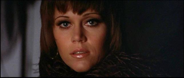 Un'iconica Jane Fonda nel film che le regalò il suo primo Oscar, Una squillo per l'ispettore Klute