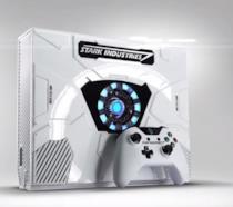 Uno screenshot della Xbox One bianca e del controller a tema Iron Man