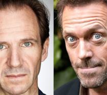 Primo piano di Hugh Laurie e Ralph Fiennes