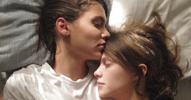 Thelma e Anja in una scena del film