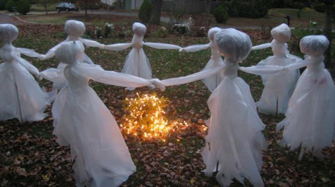Le più spaventose decorazioni casalinghe per Halloween  GALLERY  a8d141410eba