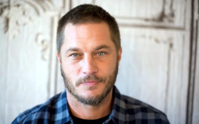 Travis Fimmel in primo piano