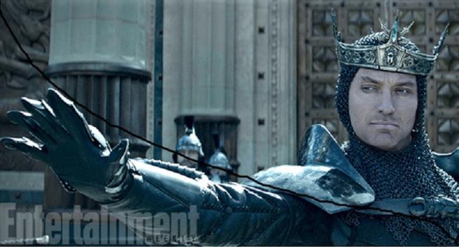 King arthur il potere della spada il trailer ufficiale for Il film della cabina 2017