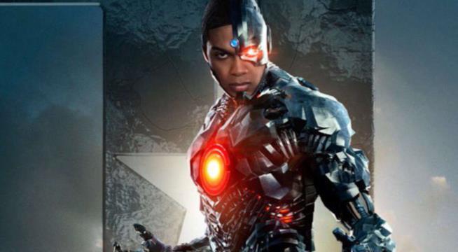L'attore Ray Fisher nel ruolo di Cyborg in Justice League