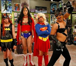 I protagonisti di The Big Bang Theory vestiti da supereroi