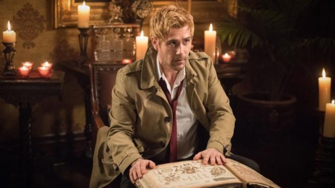 Matt Ryan nei panni di Constantine