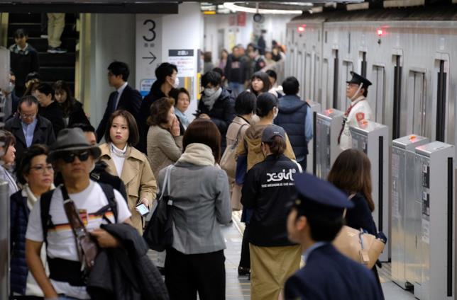 Il classico via vai di una stazione giapponese