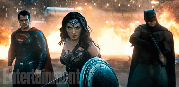 Gal Gadot nei panni di Wonder Woman in una scena di Batman v Superman