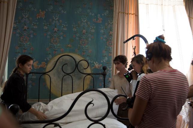 Gli attori e la regista durante le riprese di Lazzaro Felice