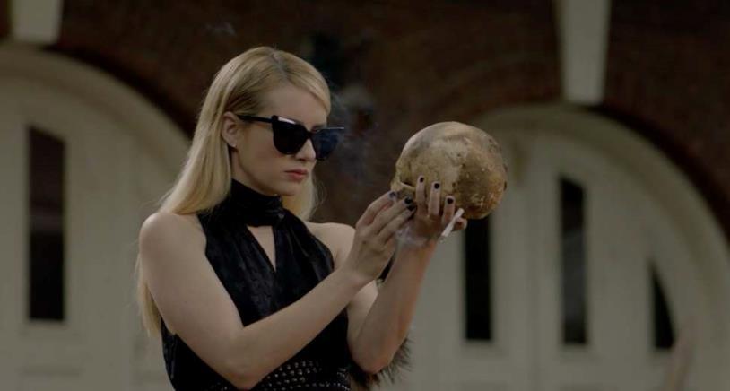 Madison nell'episodio 6 di American Horror Story: Apocalypse