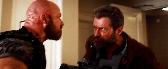 Wolverine uccide un mercenario in Logan