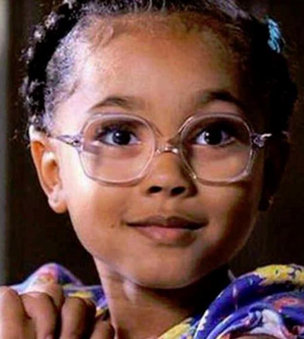 Un primo piano di Violetta in Matilda 6 mitica