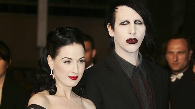 Dita Von Teese e Marilyn Manson insieme a una serata di gala