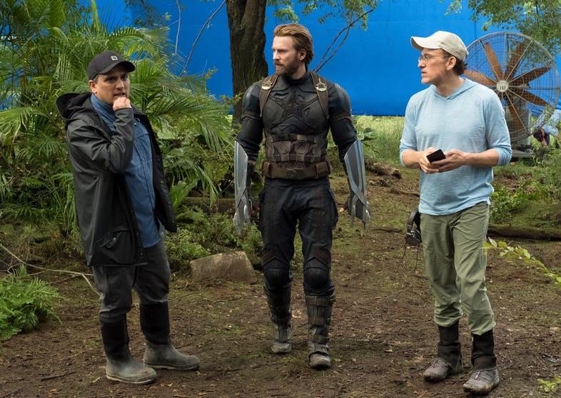 I fratelli Russo dirigono Chris Evans sul set di Avengers: Infinity War