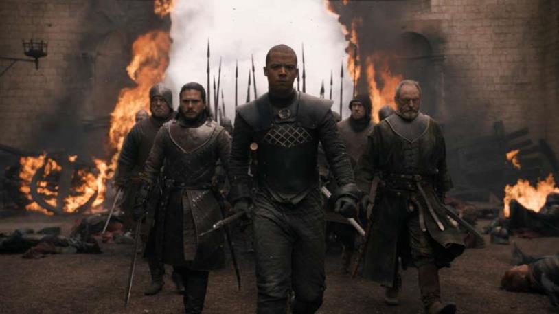 Jon Snow entra ad Approdo del Re con Davos e Verme Grigio