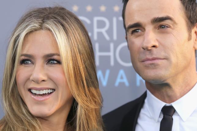 Primo piano di Jennifer Aniston e Justin Theroux