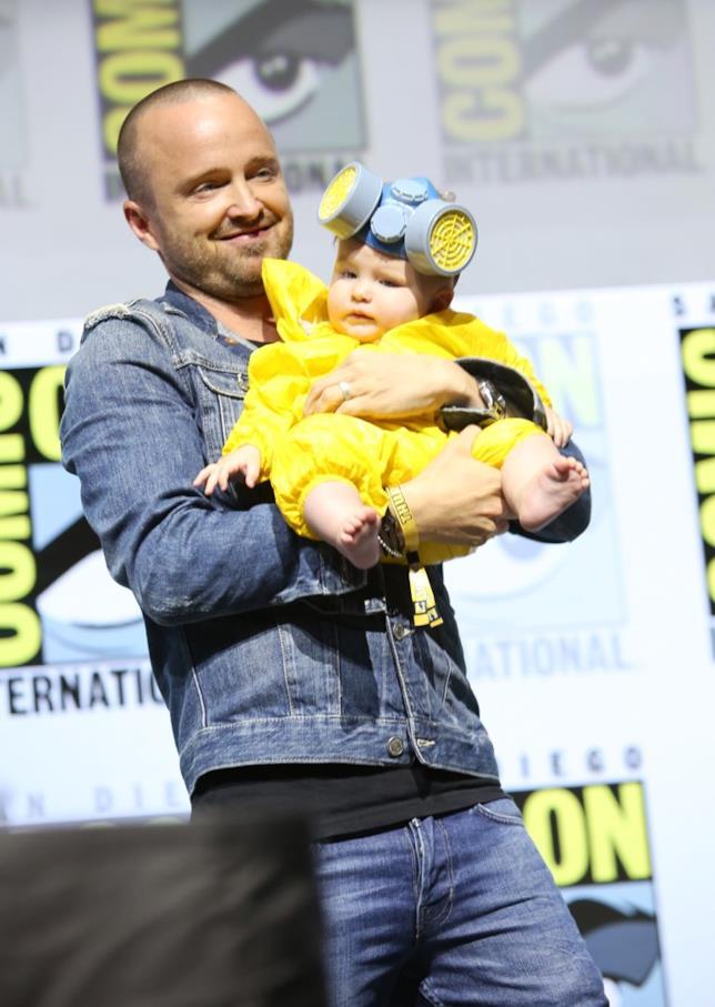 Aaron Paul con sua figlia al Comic-Con di San Diego
