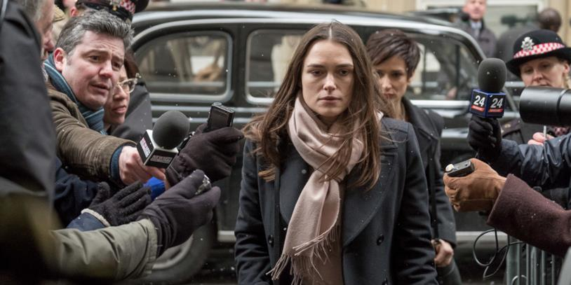 Keira Knightley in una scena del film Official Secrets
