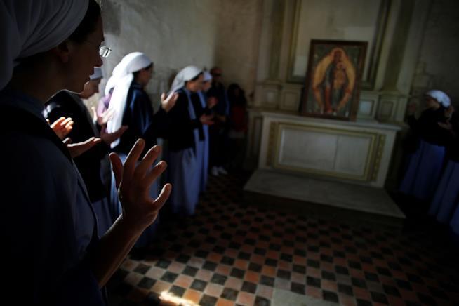 Crisi di vocazione di una ragazza in convento