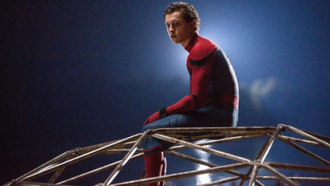 Tom Holland in una scena di Spider-Man: Homecoming