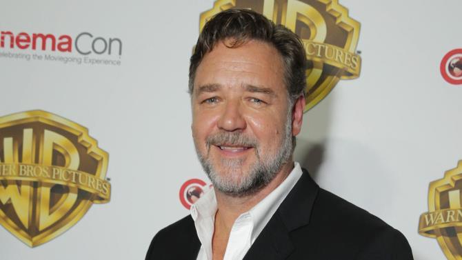 Russell Crowe sorridente