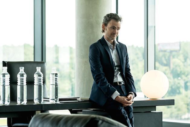 Malcolm Dreyfuss nel suo ufficio