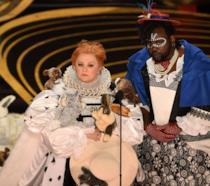 Oscar 2019: il look più memorabile è quello di Melissa McCarthy (e dei suoi coniglietti)