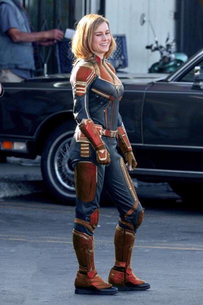 Dei colori più moderni per il look di Captain Marvel
