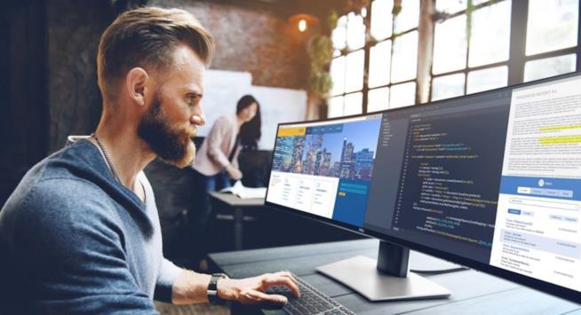 """Immagine promozionale del monitor di Dell da 49"""""""
