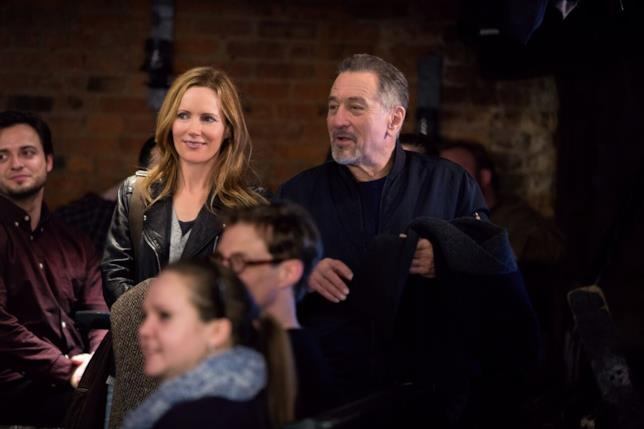 Robert De Niro e Leslie Mann in una scena di The Comedian