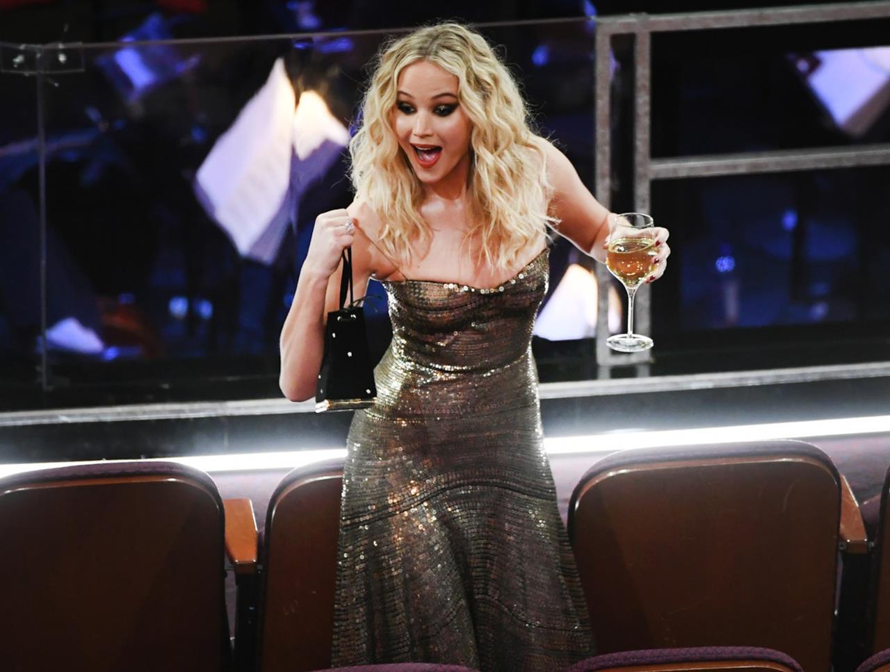 Oscar 2018: Jennifer Lawrence esuberante al Dolby Theatre