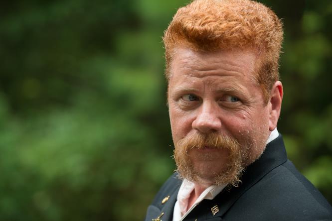 Abraham (Michael Cudlitz) in una scena di The Walking Dead 6x09