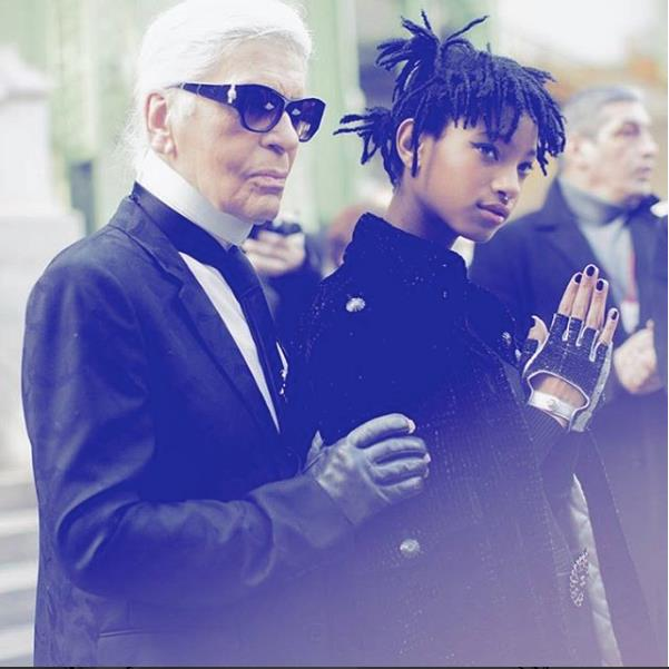 Willow Smith con lo stilista Karl Lagerfeld