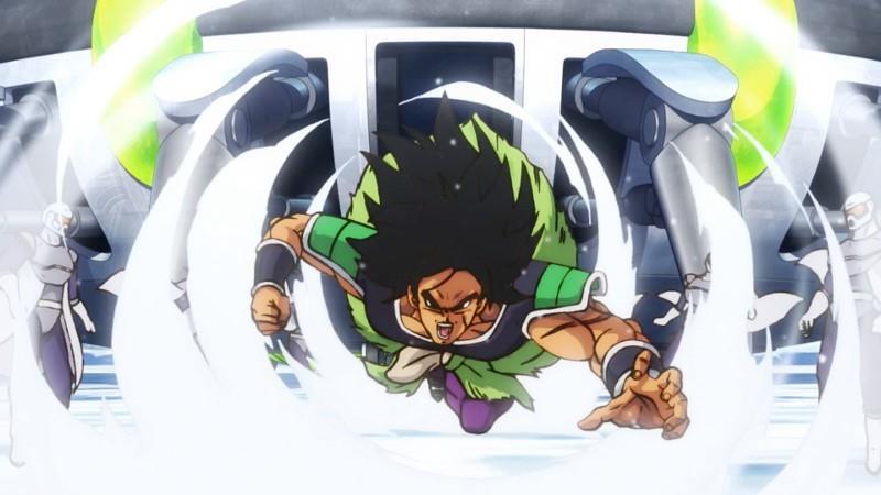 Broly carica gli avversari in Dragon Ball Super il film