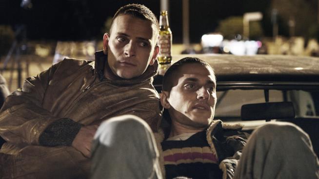 Alessandro Borghi e Luca Marinelli in una scena del film