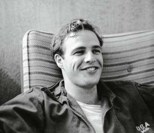 Marlon Brando in uno scatto d'epoca