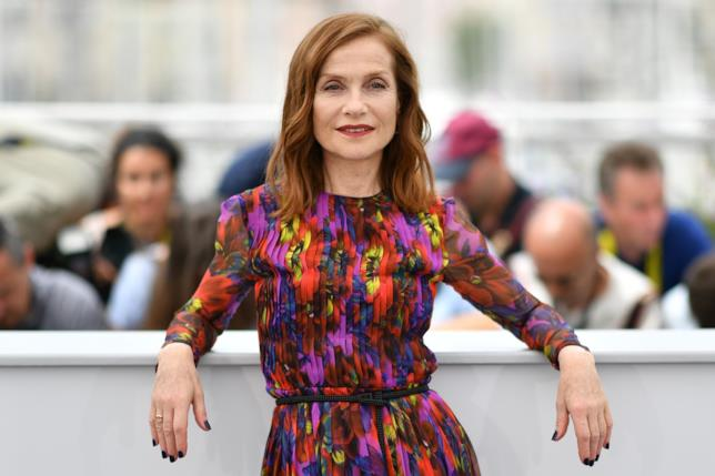 Isabelle Huppert al photocall odierno di Cannes 70