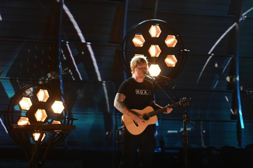 Ed Sheeran - esibizione ai Grammy Awards