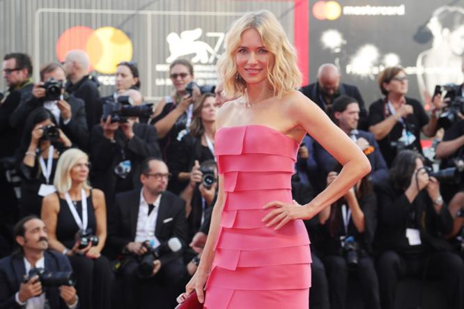 Naomi Watts sul red carpet di Venezia 75