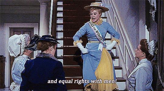 Winifred Banks in una scena di Mary Poppins