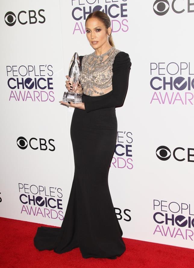 L'abito sofisticato di Jennifer Lopez