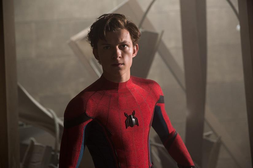 Tom Holland nei panni di Spider-Man in Spider-Man: Homecomng