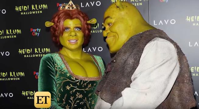 Primo piano di Heidi Klum e il fidanzato Tom kaulitz mascherati da Fiona e Shrek