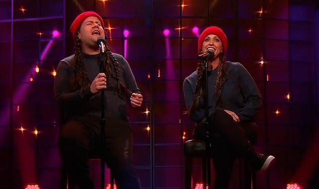 Alanis Morissette e James Corden al Late Show
