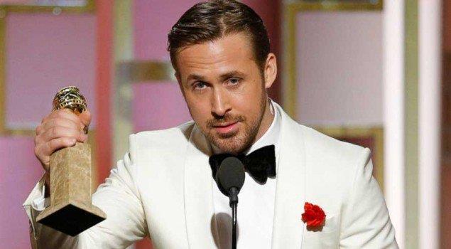 Ryan Gosling stringe il proprio Golden Globe