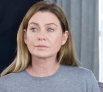 Ellen Pompeo in una scena di Grey's Anatomy 16