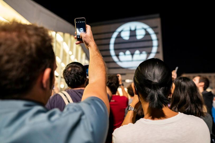 Il Batman Day 2019 illumina Piazza dei Cinquecento a Roma