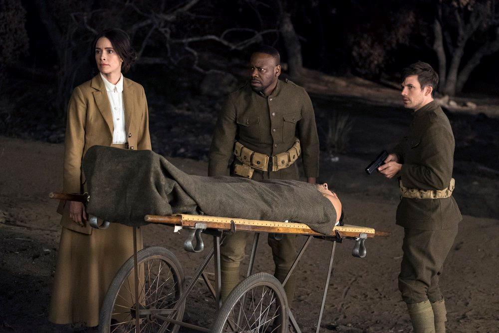 Lucy, Rufus e Wyatt nella seconda stagione di Timeless