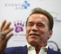 Arnold Schwarzenegger durante una conferenza stampa al Melbourne Convention and Exhibition Centre